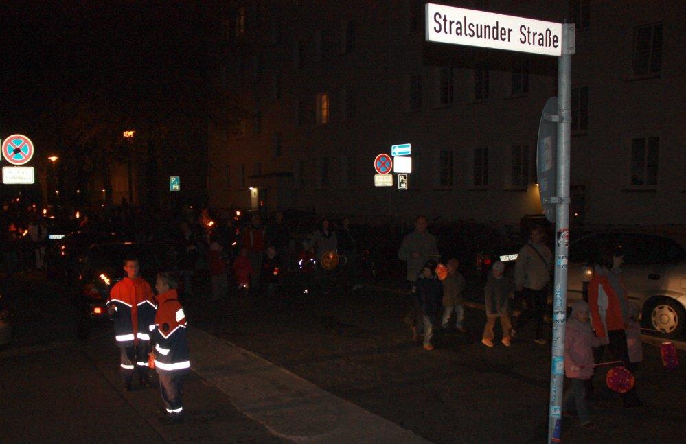 Lampion- und Fackelumzug im Hansaviertel Rostock