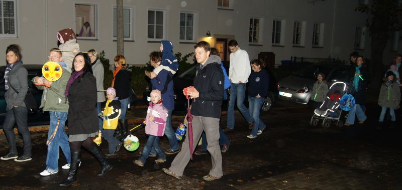 Lampionumzug 2010 im Rostocker Hansaviertel